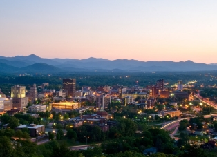 Ashville, North Carolina with mountains