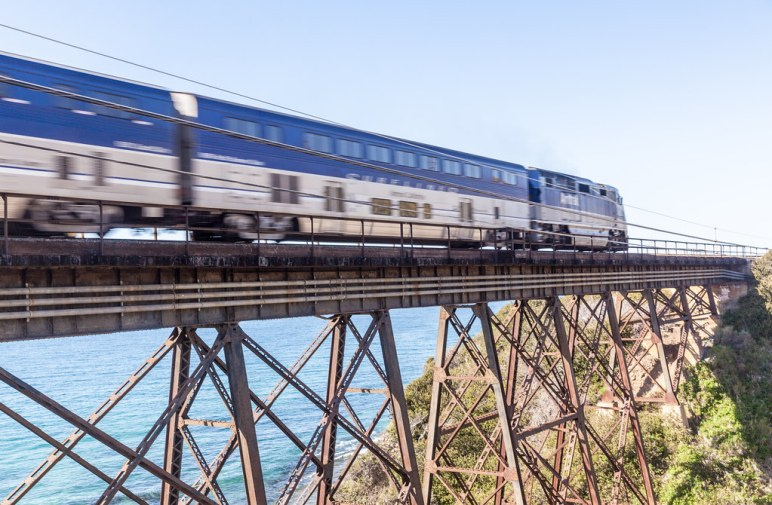 Pacific Surfliner on the Arroyo Hondo Railway Bridge